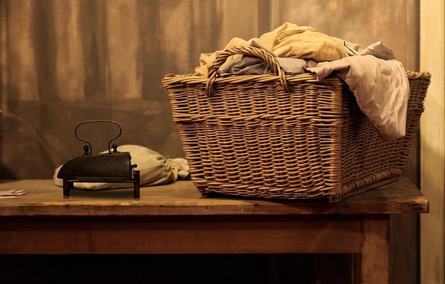 Vasketøjskurv, planter og tekstiler: indret dit badeværelse billigt, hurtigt og nemt